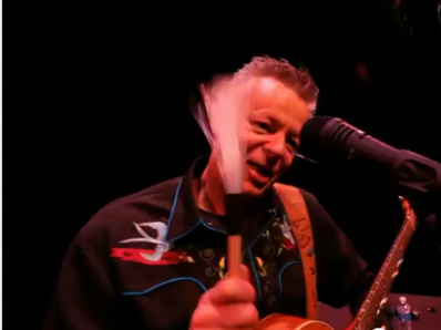 Tommy Emmanuel Tried to Beat a Heil PR35 To Death