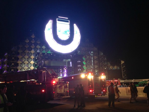 Ultra Music Stage Goes Down